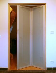 hliníkové skládací dveře